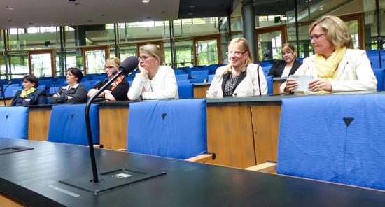 """Das unternehmerinnen forum niederrhein war am 24.05.2014 auf der Karrieremesse """"women&work"""" in Bonn"""